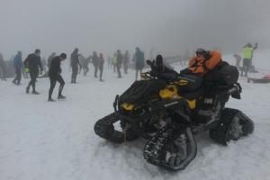 ťažká práca horského záchranára