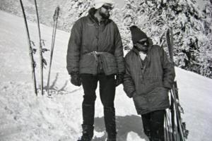 Fero Maslák (vľavo), prvý profesionálny člen HS na MH, asi 1966